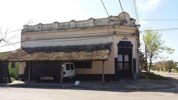 Local Comercial y 4 Apartamentos en Trinidad