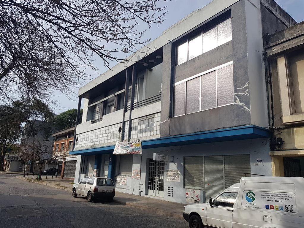 Excelente Propiedad Industrial/Comercial en Villa Muñoz