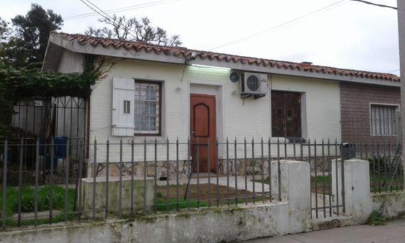 Casa próxima a Cno. Carrasco y Veracierto