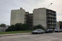 22 Apartamentos , 7 Garages y Terreno Lindero