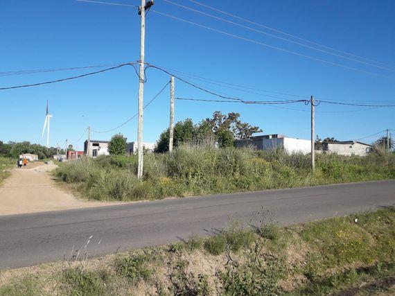Tres terrenos baldíos en Las Piedras
