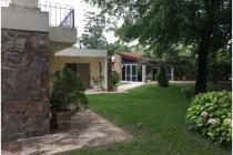 Espectacular casa con gran terreno en Punta Ballena