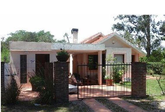 Buena casa en PIRIÁPOLIS Barrio Country