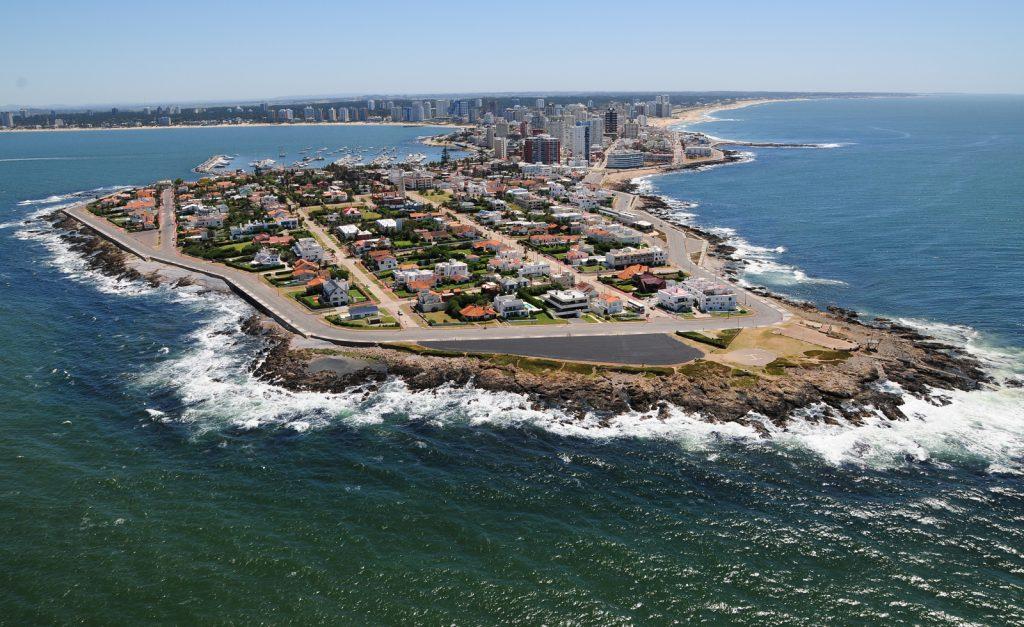 Punta del Este. 11 valiosos solares de terreno.
