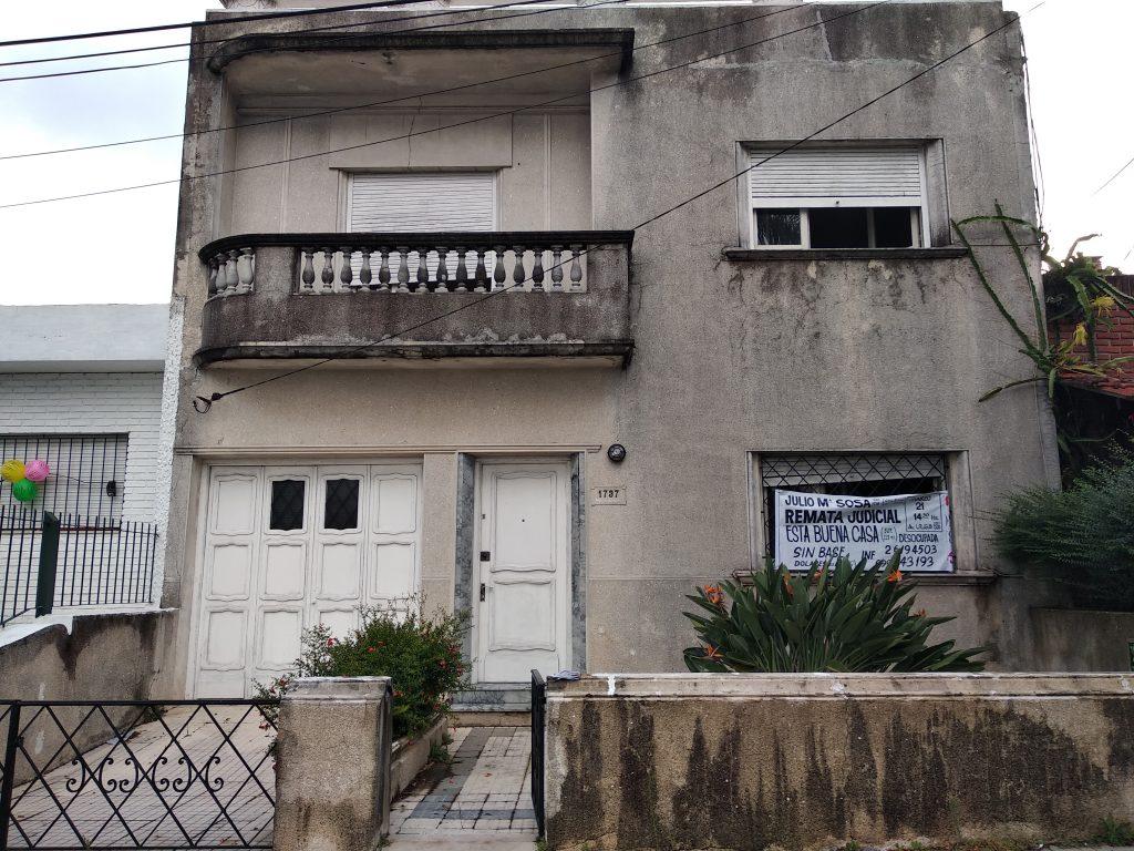 Muy buena casa de dos plantas desocupada