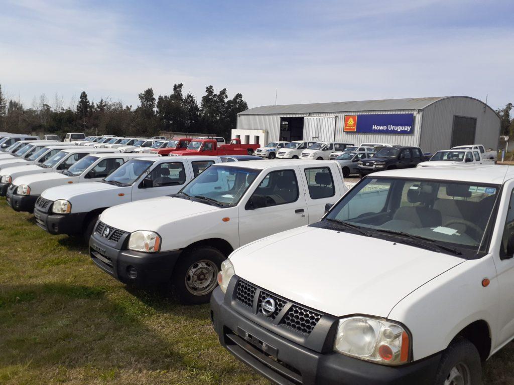 75 Camionetas Doble Cabina 4×2 y 4×4 Diesel y Autos 75