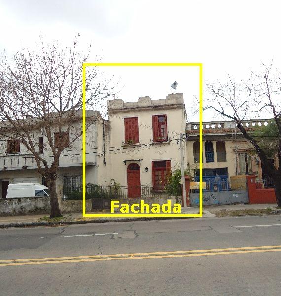 Elegante Casa sobre Avenida en el Prado