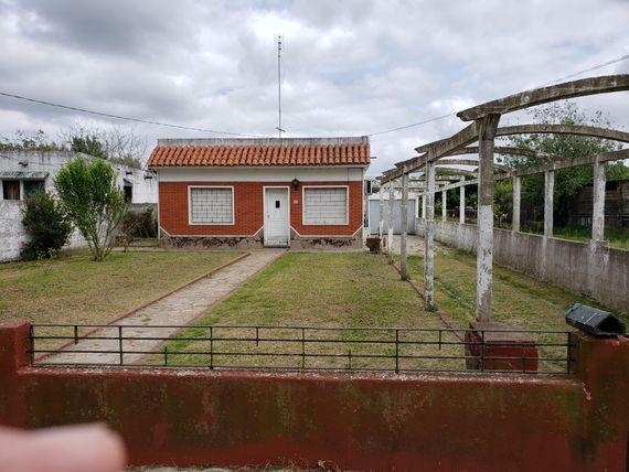 Casa de buena calidad en barrio Los Bulevares