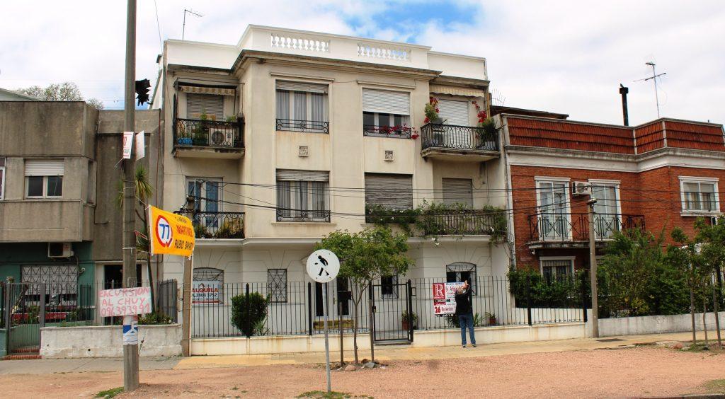 Apartamento de 2 dormitorios en Bv. Artigas 4481/101 casi Agraciada