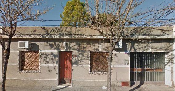 Bien ubicada casa en ciudad de Mercedes ¡¡¡SUSPENDIDO!!!