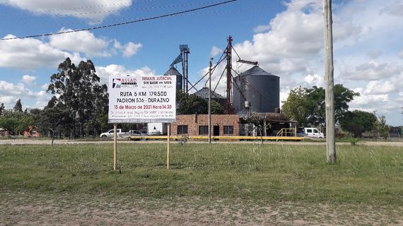 Durazno. Fracción de campo suburbano logístico (ex planta de silos)