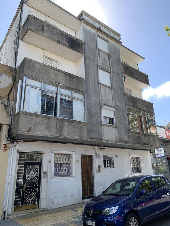Apartamento en calle Salto 1027/105 esq. San Salvador