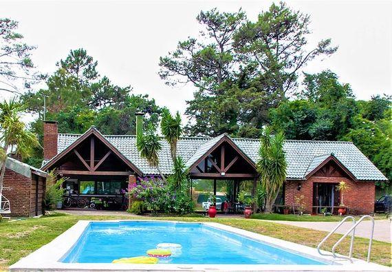 *PRORROGADO* Residencia con piscina en Ciudad de la Costa