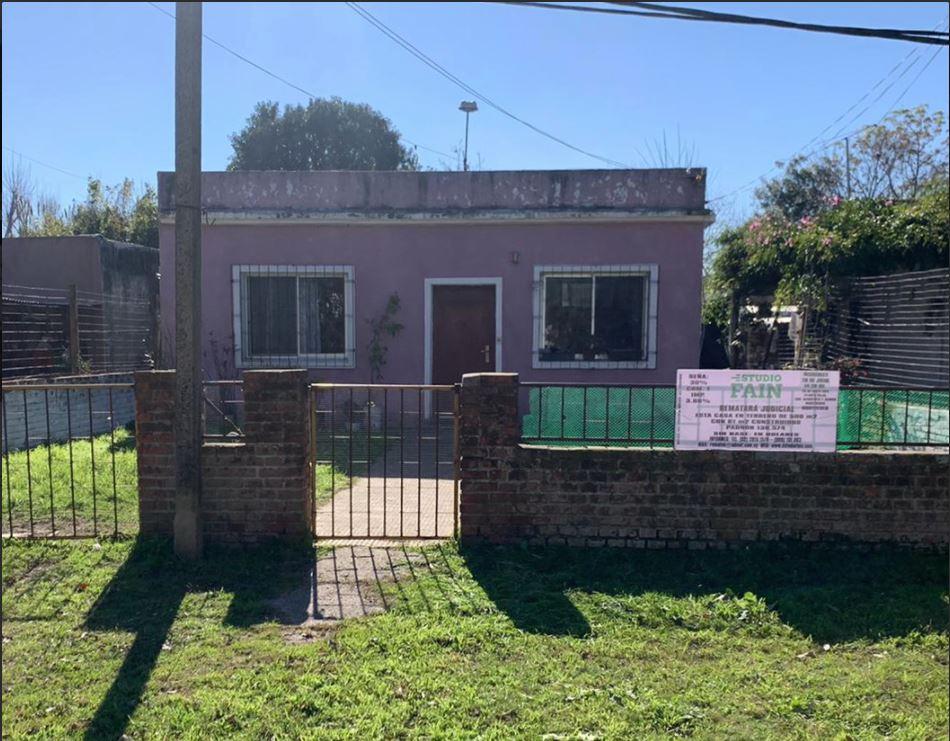 Linda casa en calle Genova