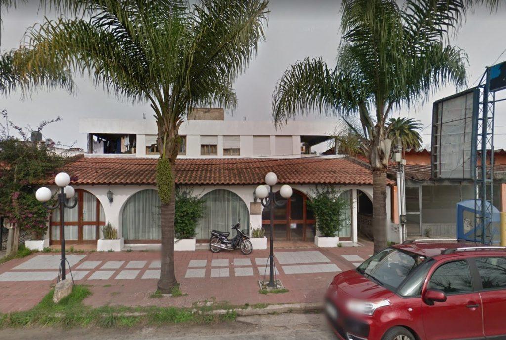 Edificio de 2 plantas ex hotel en Parque del Plata – Canelones