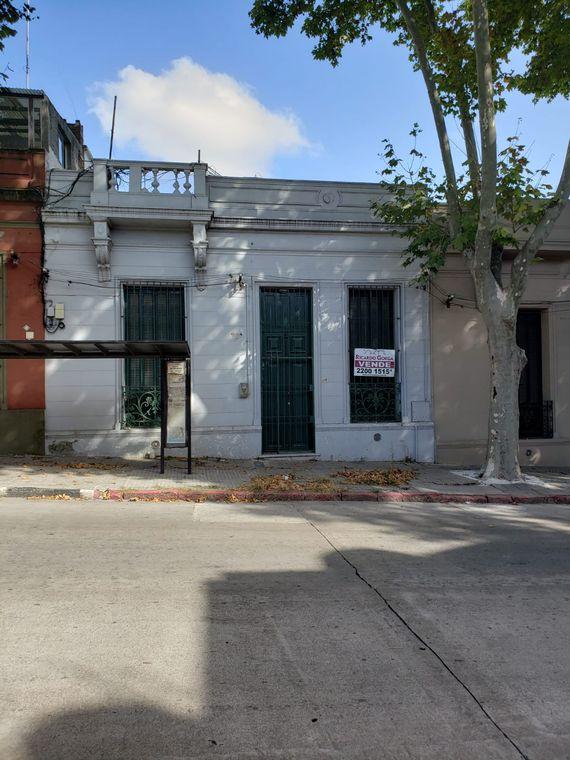 Buena casa en barrio Bella Vista