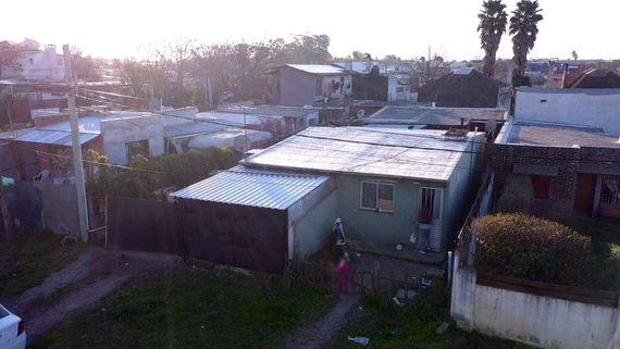 Terreno con 3 viviendas en Maldonado – Barrio La Sonrisa