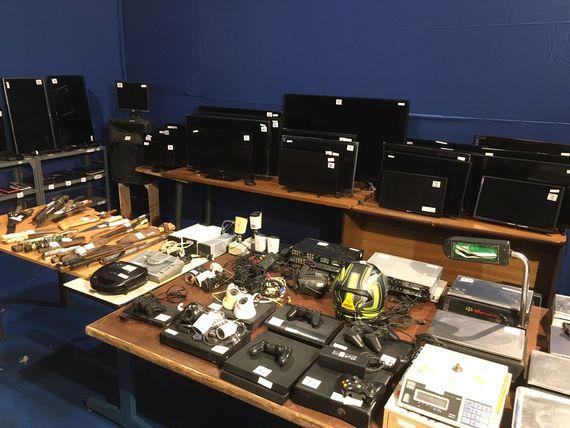 Artículos electrónicos, joyas, mobiliario, televisores, computadoras y más.