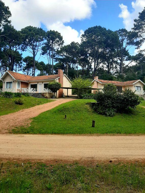 Dos casas muy lindas en un mismo padrón en Punta Ballena