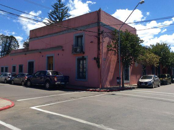 Importante esquina en Maldonado